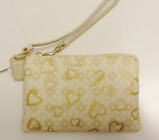 NWT Coach 51032 Waverly Hearts Small Wristlet Light Khaki Gold