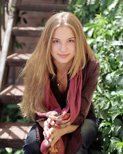 VanCamp, Emily [Everwood] (7035) 8x10 Photo