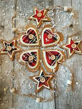 8 x TRADITIONAL RUSTIC WOODEN /TARTAN HANGING CHRISTMAS DECORATION HEART/STAR
