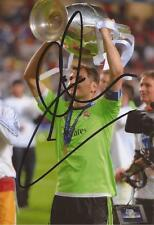 REAL MADRID: IKER CASILLAS SIGNED 6x4 CHAMPIONS LEAGUE TROPHY PHOTO+COA**PROOF**