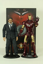 Hot Toys IRON MAN MARK III + TONY STARK 1:6 Scale Figure Set