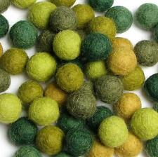 60 Hand-felted Wool Felt Balls 1CM Evergreen Handbehg Felts Fiber Crafts