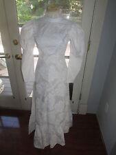 NEW WHITE HAWAIIAN MUUMUU HULA TRADITIONAL LONG SLEEVE WEDDING DRESS SIZE 2