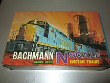 Vintage Bachmann N Scale Set GP-40 Diesel 5 Car Set Rare