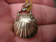 RARE ANTIQUE VICTORIAN 10 KT GOLD SHELL MOURNING DAG PHOTO LOCKET CHARM