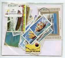 LOT DE 50 TIMBRES THEMES BATEAUX  DIFFERENTS