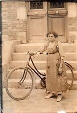 BK370 Carte Photo vintage card RPPC Femme woman jeune fille vélo bicyclette