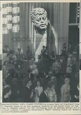 1971 Bust of Pres JFK Watches Over Concertgoers Kennedy Center Press Photo