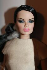 Fashion Royalty  Fashion Explorer Vanessa Perrin NRFB 2014 W Club Upgrade doll