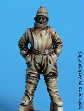 Blackdog Models 1/48 GERMAN WWI PILOT IN WINTER DRESS Resin Figure