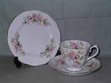 Royal ALBERT MOSS ROSE TRIO TAZZA PIATTINO Tè PIASTRA LATERALE &