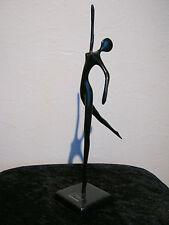 Ballerina Tänzerin aus Bronze von Bodrul Khalique