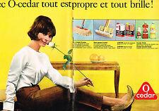 PUBLICITE ADVERTISING   1965   O- CEDAR   produits entretien ( 2 pages)