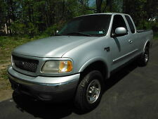 Ford: F-150 XLT 4X4 4DR