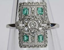 Un solido 18ct Gold Diamond & Emerald Art Deco Stile Anello Taglia O/P (US 7.5)