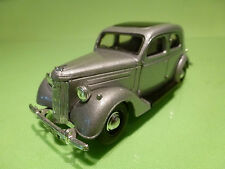 DINKY TOYS DY5 FORD V8 PILOT 1949 - SILVER GREY 1:43 - EXCELLENT
