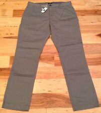 Gap Men's 29 X 30 Gray The Classic Khakis (Tapered Fit) Pants. NWT