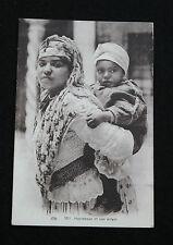 CPA Afrique Occident nord-africain Berbères Mauresque et son enfant