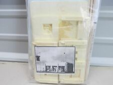 SCALE STRUCTURES ~ 1940'S SERVICE STATION BUILDING KIT ~ HO SCALE