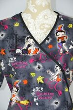 Betty Boop Womens Med Black Halloween Witch Beauty Tie Back 2 Pocket Scrub Top