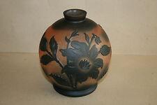 Vase boule  pâte de verre signé de Vianne décor floral