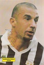 GIANLUCA VIALLI HAND SIGNED JUVENTUS MAGAZINE PHOTO.