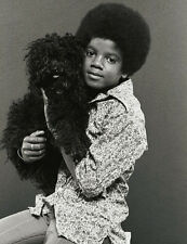 Michael Jackson UNSIGNED photo - E1036 - Young photo - With his dog!!!!