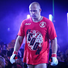RARE T-Shirt  UFC MMA Clinch Gear Fedor Emelianenko Chicago Walkout Tee 2011 (S)