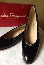 New SALVATORE FERRAGAMO Size 10.5 BLACK PATENT LEATHER Shoes. Туфли итальянские