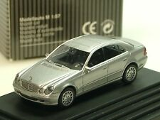 Wiking Mercedes E-Klasse, silber, dealer model - PC 1332 - 1/87