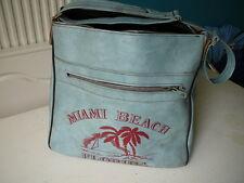 sac de voyage vintage années 70 en simili cuir bleu ciel Miami Beach épaule