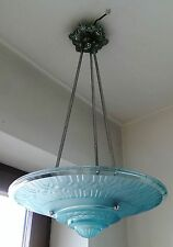 große Art Deco hellblaue Pressglas Lampe Frankreich um 1930 geometrisches Muster