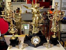Horolge pendule en regule et paire de candelabre régule feuille or - moreau ?
