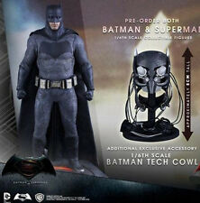 Hot Toys 1/6 BVS:Dawn of Justice Light Armor Batman W Tech Cowl Action Figure