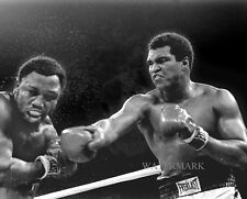 MUHAMMAD ALI vs. JOE FRAZIER BOXING FIGHT 8x10 PHOTO