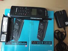 QUALCOMM GPS-1600 TRI-MODE SATELLITE PORTABLE PHONE FULL KIT