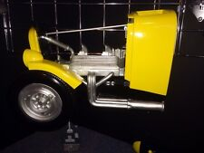 1932 Ford Coupe Resin Wall Shelf, Yellow