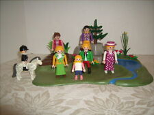 PLAYMOBIL FAMILY WITH GREEN OASIS AND POND HORSE PEOPLE
