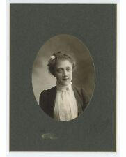 ANTIQUE CAB PHOTO OF YOUNG LADY W/ FLOWER IN HAIR FROM PHILADELPHIA, PA, STUDIO