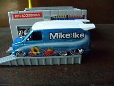 1985 CHEVY ASTRO VAN         2014 HOT WHEELS MIKE AND IKE     1:64 DIE-CAST