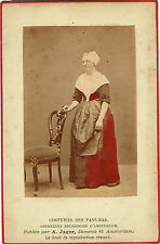 A.Jager : Costumes des Pays-Bas , Orpheline bourgeoise d'Amsterdam , vers 1880