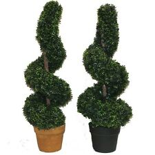 ESSENTIAL DÉCOR & BEYOND, INC Spiral Boxwood Topiary in Pot Set of 2
