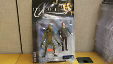 McFarlane Toys X-Files Agent Dana Scully with Attack Alien figure, Brand New!