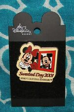 Disney Pin CARDED SWEETEST DAY MICKEY MINNIE MOUSE 2001  RARE