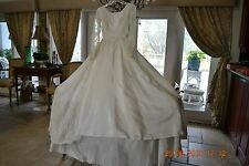 1950s wedding dress - White Lace and satin - very full skirt - sequins pearls XS