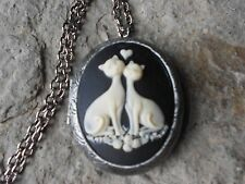 CAT (S) IN LOVE (CREAM ON BLACK) ANTIQUED SILVER PLATED LOCKET - CAT LOVERS GIFT