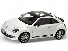 WELLY 2012 VOLKSWAGEN NEW BEETLE WHITE 1/18 DIECAST MODEL CAR 18042