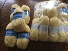 Large Lot Of Yarn, Light Yellow. Worsted Weight. 15 Skeins.