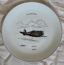 (B) Rare : Philippe DESHOULIERES plat + 12 assiettes : Spitfire/Lockheed/Curtiss