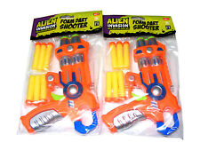 2 x CHILDRENS ALIEN INVASION PLASTIC TOY FOAM DART SHOOTER GUNS + 12 FOAM DARTS